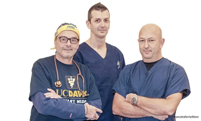 Da sinistra: dr. Stefano Giardinieri, dr. Emanuele Francella, dr. Corrado Carotti, della Clinica Veterinaria Carotti Giardinieri Francella | Jesi (AN)